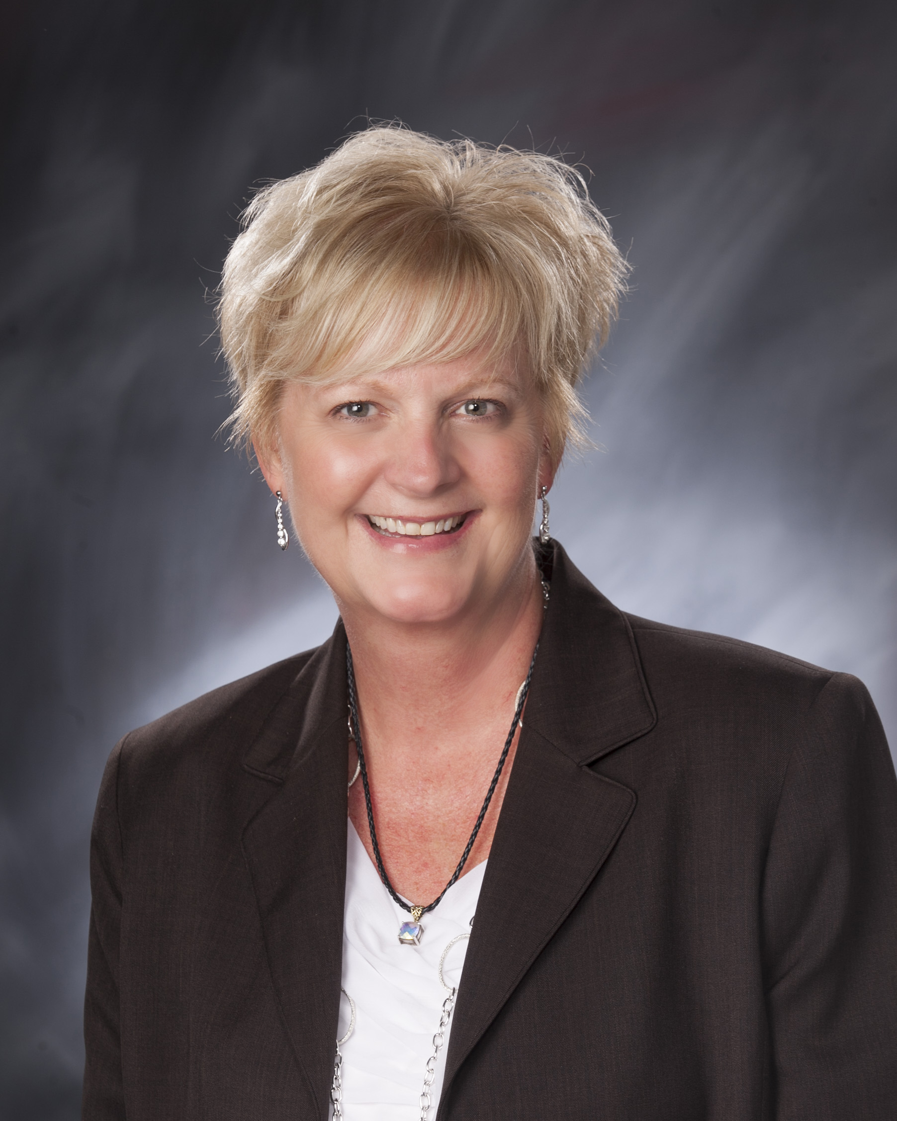 Linda moore is a certified audiologist working at ear specialists of
